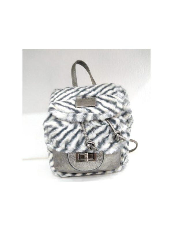 Τσάντα πλάτης σε συνδυασμό υλικών και χρωμάτων